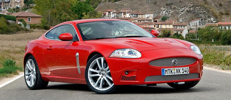 Pod lupou: Jaguar R aneb 25 let rychlých koček: - fotka 23