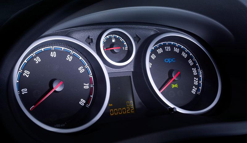 Za volantem: Opel Corsa OPC 2012: - fotka 22