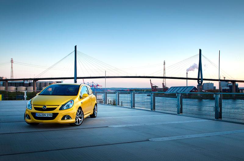 Za volantem: Opel Corsa OPC 2012: - fotka 30