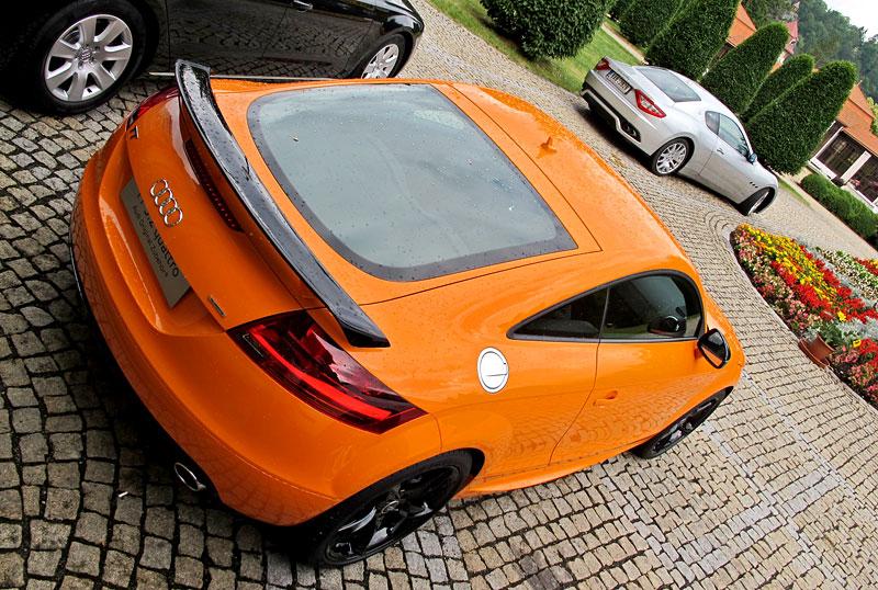 Za volantem: Audi R8 Spyder V10 5.2 quattro: - fotka 30