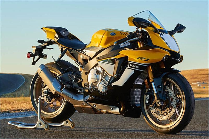 Yamaha slaví 60 let výroční R1 v retro barvách: - fotka 3