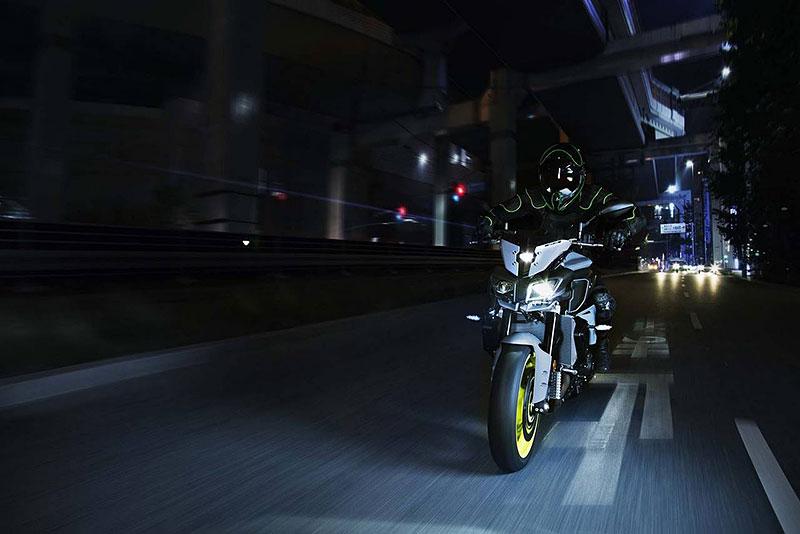 Yamaha MT-10: Super naháč pro novou sezónu (+video): - fotka 2