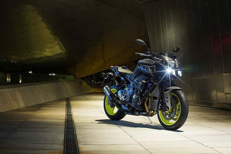 Yamaha MT-10: Super naháč pro novou sezónu (+video): - fotka 4