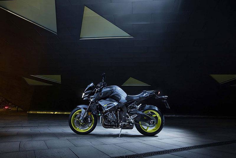 Yamaha MT-10: Super naháč pro novou sezónu (+video): - fotka 19