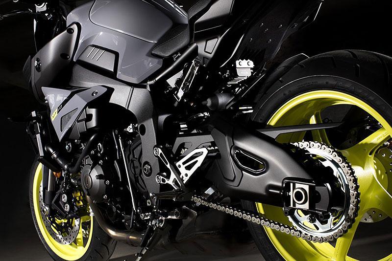Yamaha MT-10: Super naháč pro novou sezónu (+video): - fotka 22