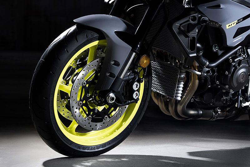 Yamaha MT-10: Super naháč pro novou sezónu (+video): - fotka 27