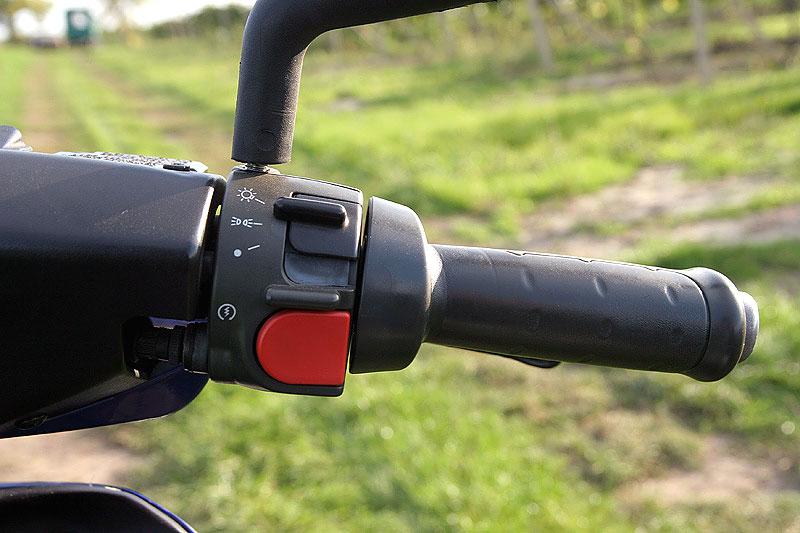 Test - Yamaha Aerox: dravec do městského provozu: - fotka 2