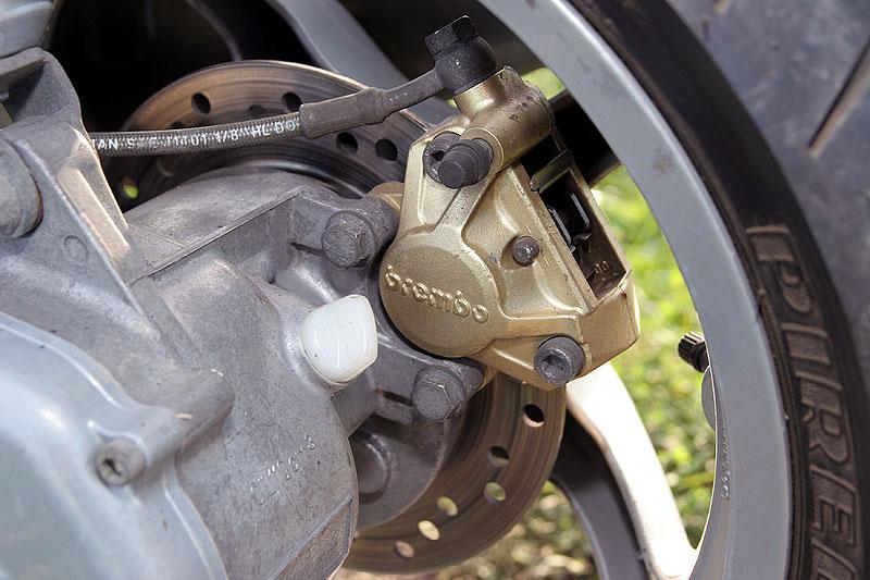 Test - Yamaha Aerox: dravec do městského provozu: - fotka 18