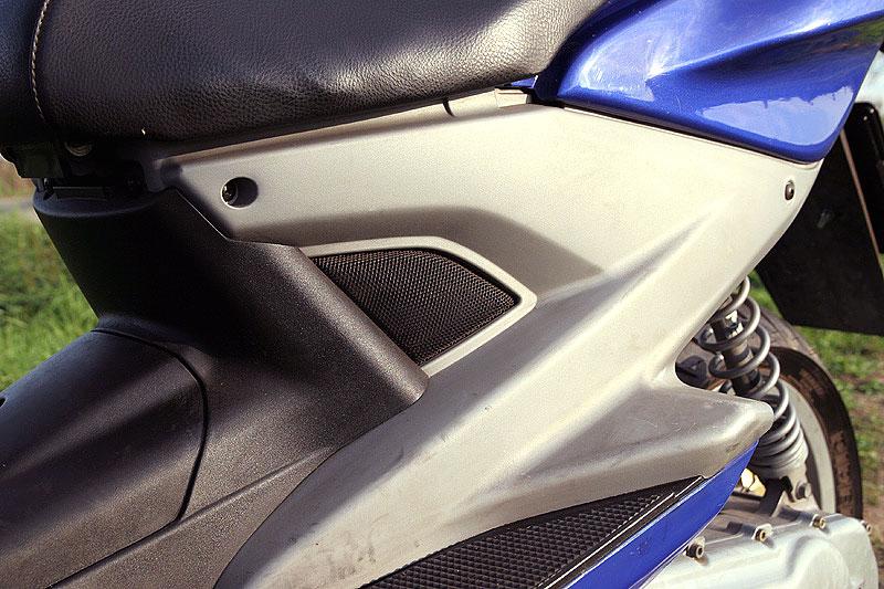 Test - Yamaha Aerox: dravec do městského provozu: - fotka 26