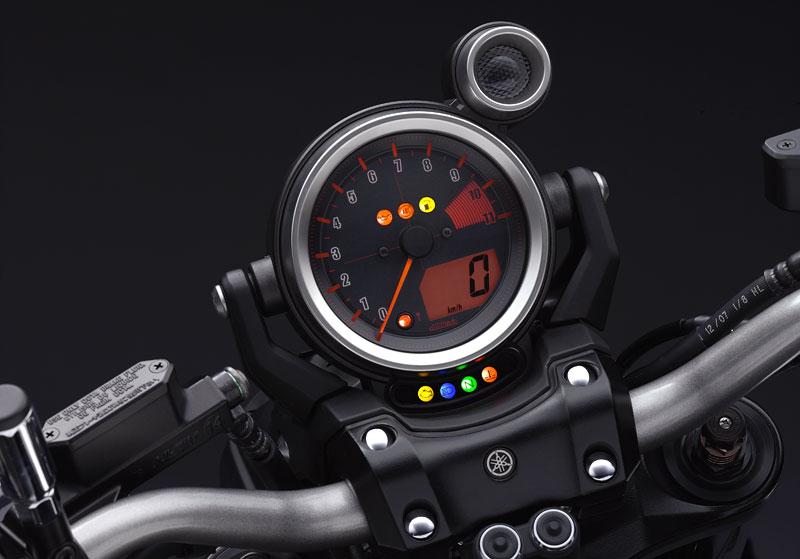 Yamaha V-Max 2009: první info, velká fotogalerie a video: - fotka 3