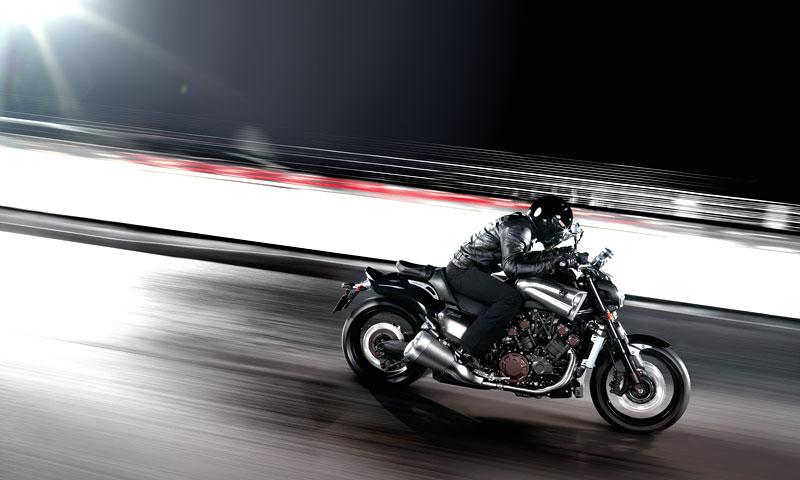 Yamaha V-Max 2009: první info, velká fotogalerie a video: - fotka 12