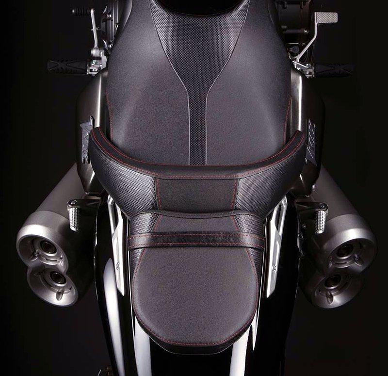 Yamaha V-Max 2009: první info, velká fotogalerie a video: - fotka 26