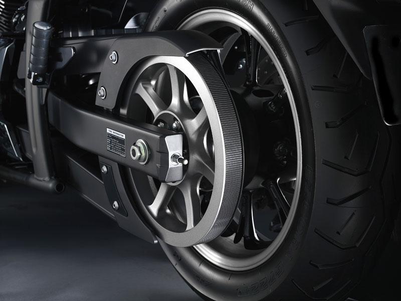 Yamaha 2009: XJ6 Diversion a XVS950A Midnight Star: - fotka 13