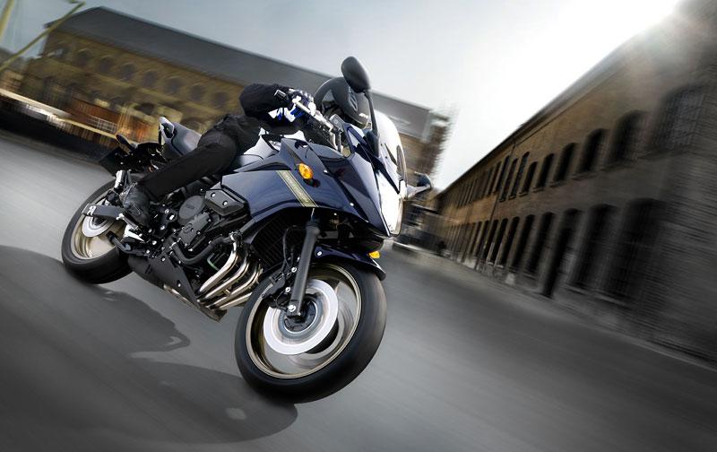 Yamaha 2009: XJ6 Diversion a XVS950A Midnight Star: - fotka 17
