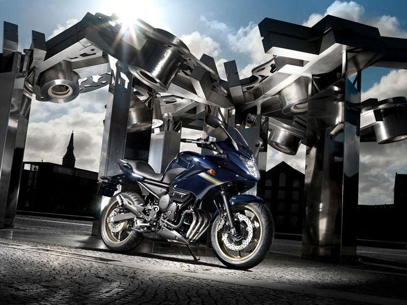Yamaha 2009: XJ6 Diversion a XVS950A Midnight Star: - fotka 25