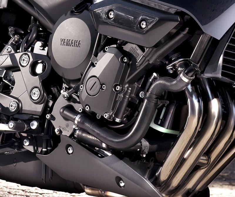Yamaha 2009: XJ6 Diversion a XVS950A Midnight Star: - fotka 32