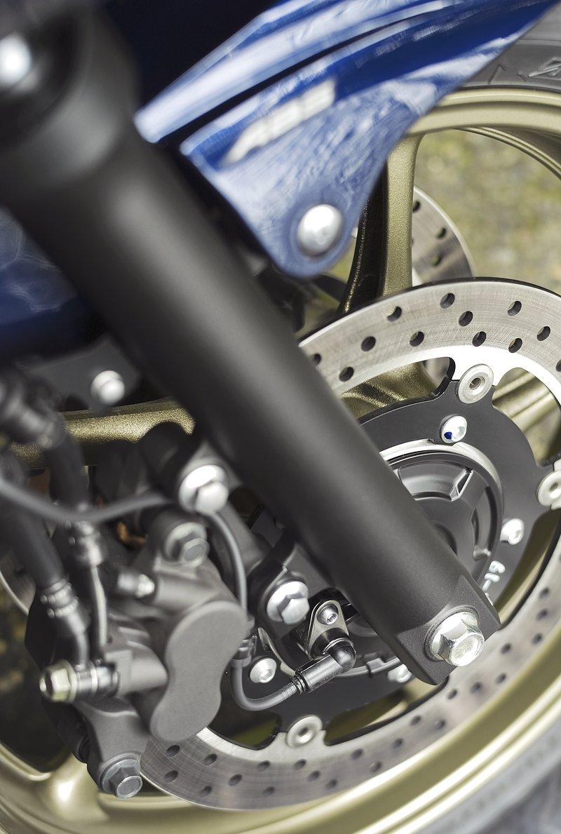Yamaha 2009: XJ6 Diversion a XVS950A Midnight Star: - fotka 39