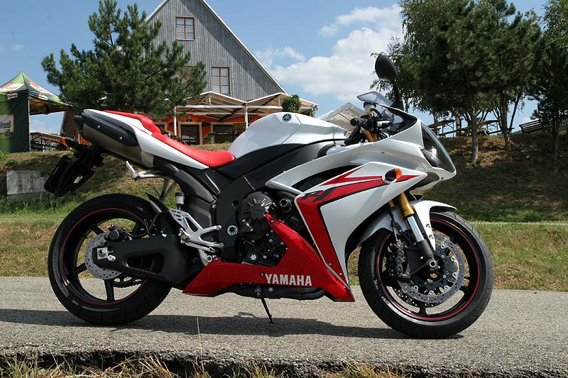 Test - Yamaha YZF-R1: sportovní kráska: - fotka 8