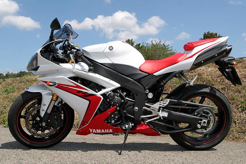 Test - Yamaha YZF-R1: sportovní kráska: - fotka 9