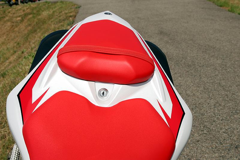 Test - Yamaha YZF-R1: sportovní kráska: - fotka 11
