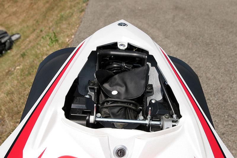 Test - Yamaha YZF-R1: sportovní kráska: - fotka 12