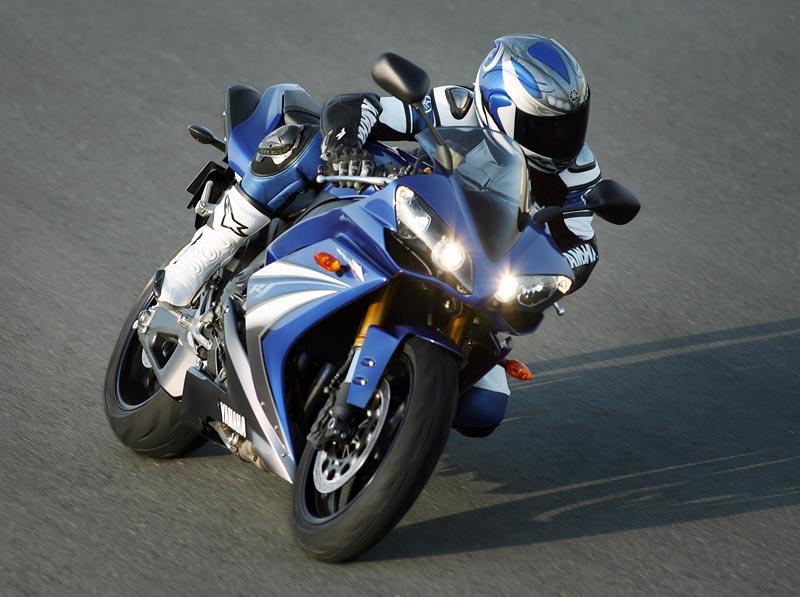 Test - Yamaha YZF-R1: sportovní kráska: - fotka 32