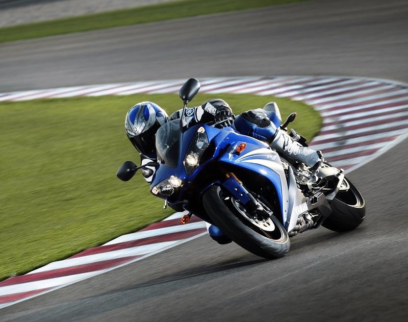 Test - Yamaha YZF-R1: sportovní kráska: - fotka 33