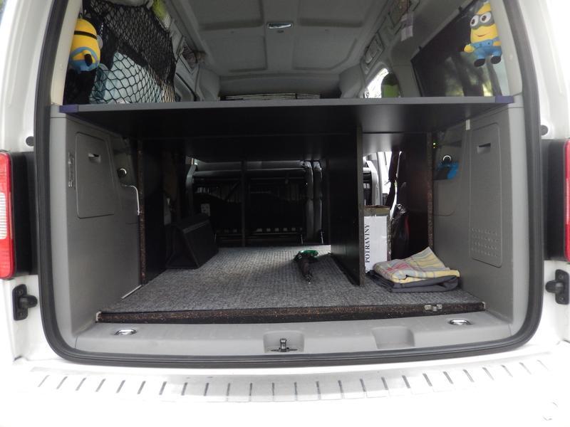 Fotogalerie Volkswagen Caddy Zavazadlový Prostor Pod