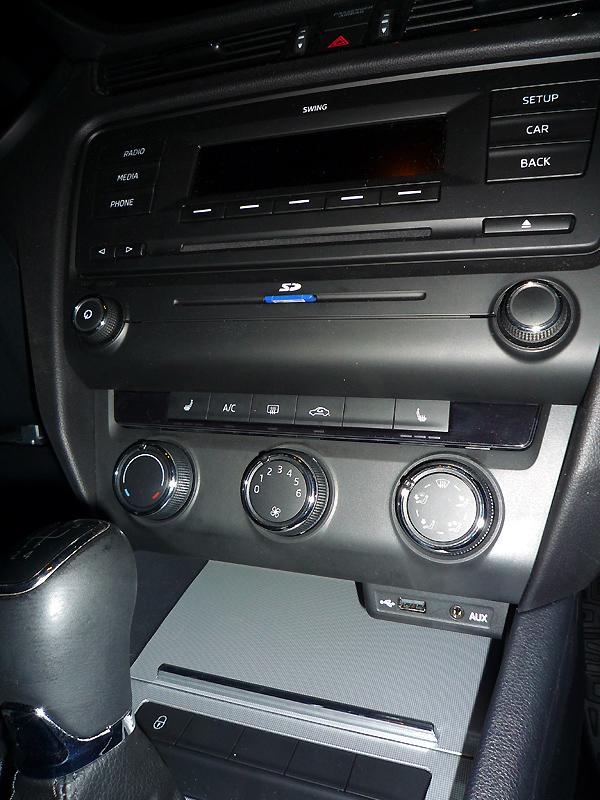 Xm rádio připojit auto