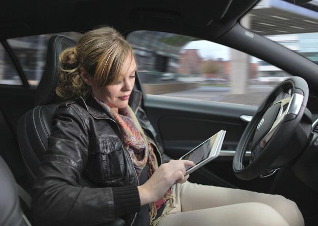Stát podpoří nákupy automobilů i vývoj autonomních aut