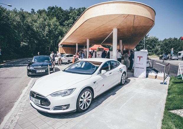 Provoz vozů Tesla se prodraží. Ceny za nabíjení na Superchargerech rapidně rostou