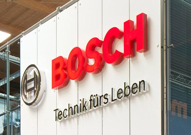 Kvůli Daimleru se v emisní kauze vyšetřuje také Bosch