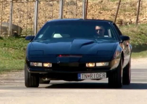 Video: Legendární Knight Rider se prohání i po Slovensku! I tenhle KITT umí mluvit