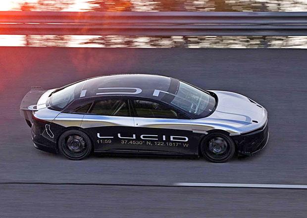 Tohle jen tak neuvidíte: Elektrický konkurent Tesly testuje svoji stabilitu, ve 350 km/h!