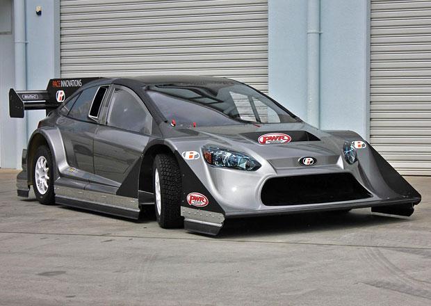 """Závodní """"Ford Focus"""" s technikou Nissanu GT-R míří na Pikes Peak. Může vyhrát?"""
