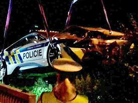 Máme nové fotky z nehody policejního BMW i8: Takto po bouračce dopadlo!