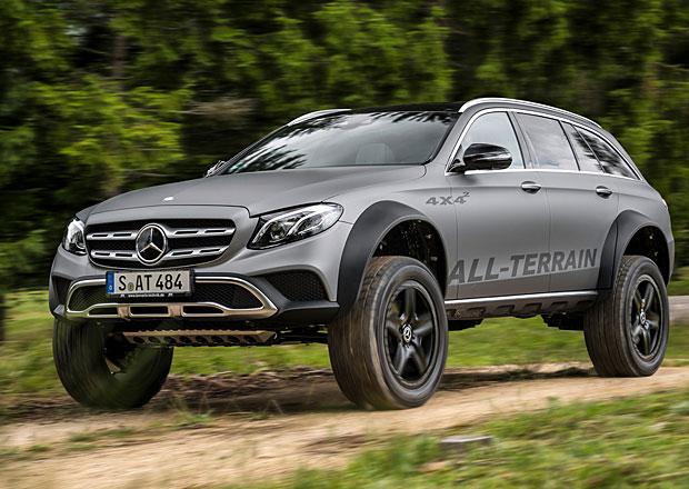 Je vám zvýšené kombi málo? Je tu šílený Mercedes-Benz E All-Terrain 4x4 na druhou!