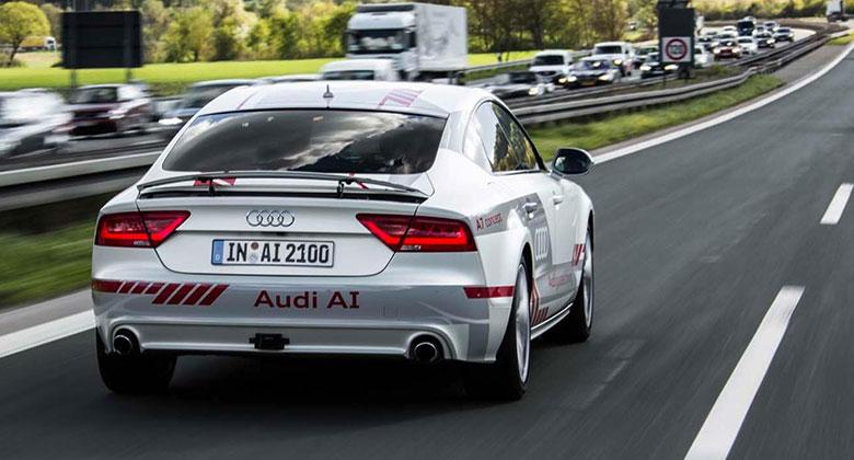 Audi nabízí veřejnosti svezení s autopilotem. Příležitost dá i škarohlídům