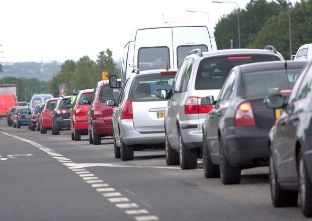Velká Británie také plánuje zákaz aut se spalovacími motory!