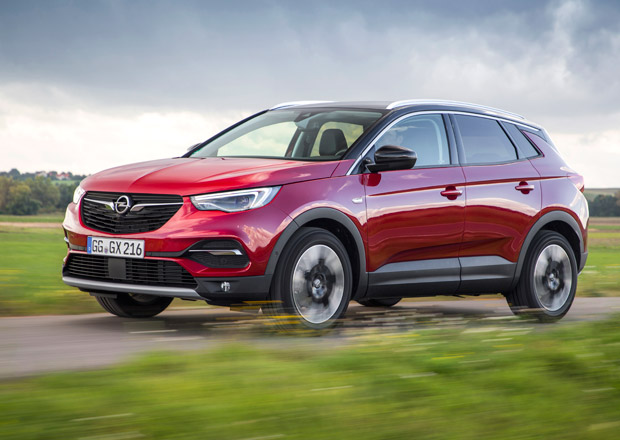 Opel vzal Peugeot 3008 a vylepšil ho. Grandland X je prý lepší než sex! (+video)