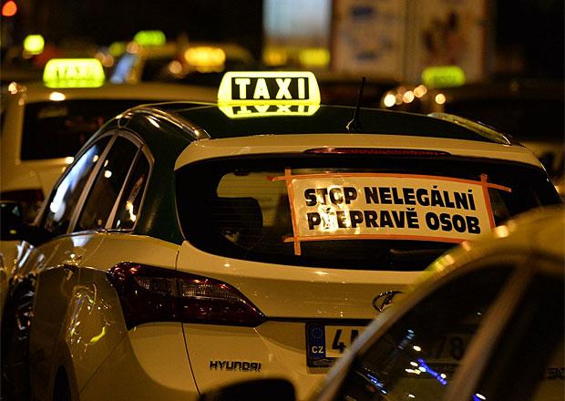 Taxikáři chystají jízdu Prahou, Krnáčová nechce jednat pod tlakem