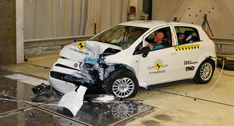Totální propadák v Euro NCAP 2017: Fiat Punto nedostal ani jednu hvězdičku!