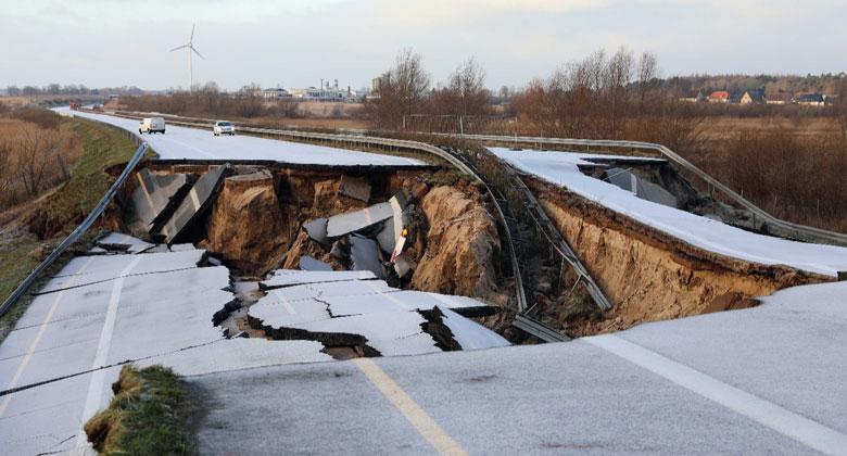 Nadáváte na D1? Ani v Německu to s dálnicemi není růžové, jedna se dokonce propadla!