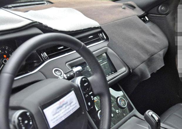 Špioni nafotili interiér nového Range Roveru Evoque. Podívejte se na největší změnu