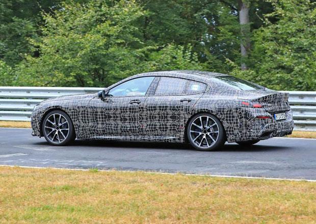 BMW 8 Gran Coupé už pilně testuje na Nürburgringu. Je obrovské!
