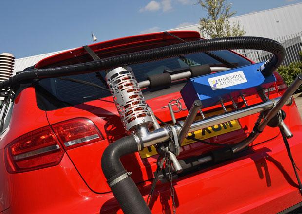 EU se dohodla na kompromisu ke snížení emisí u aut, výrobcům se limity stále nelíbí
