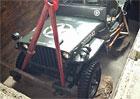 Video: Kanadský dealer Jeepu zahrabal Willyse do podlahy