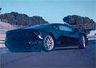 Video: Zadokolka Lamborghini Huracán LP 580-2 řádí na okruhu