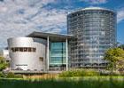 VW má nové využití pro skleněnou továrnu v Drážďanech. Co s ní?