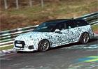 Audi RS4 Avant řádí na Ringu. Zvuk má sice nevýrazný, ale podívaná je to slušná